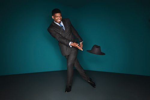 PK Subban in his double breasted pinstriped suit. (CNW Group/RW&CO.)
